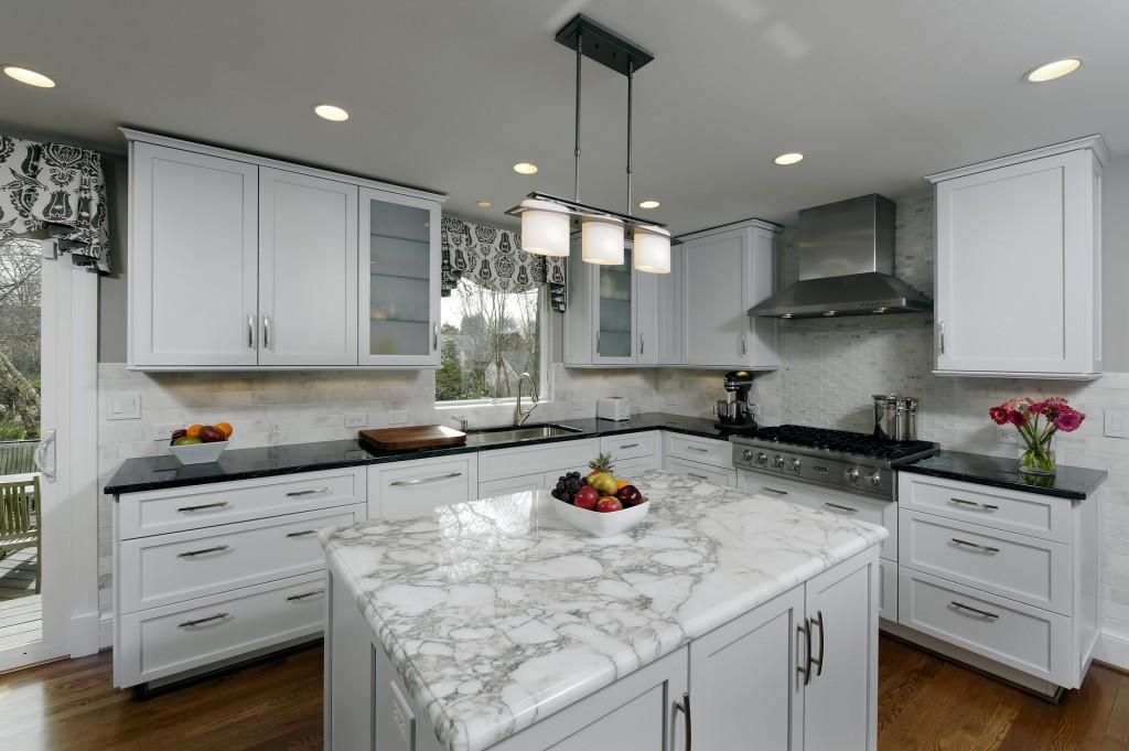 BIS-McLean-VA-Renovation-Kitchen3-Design-Build07