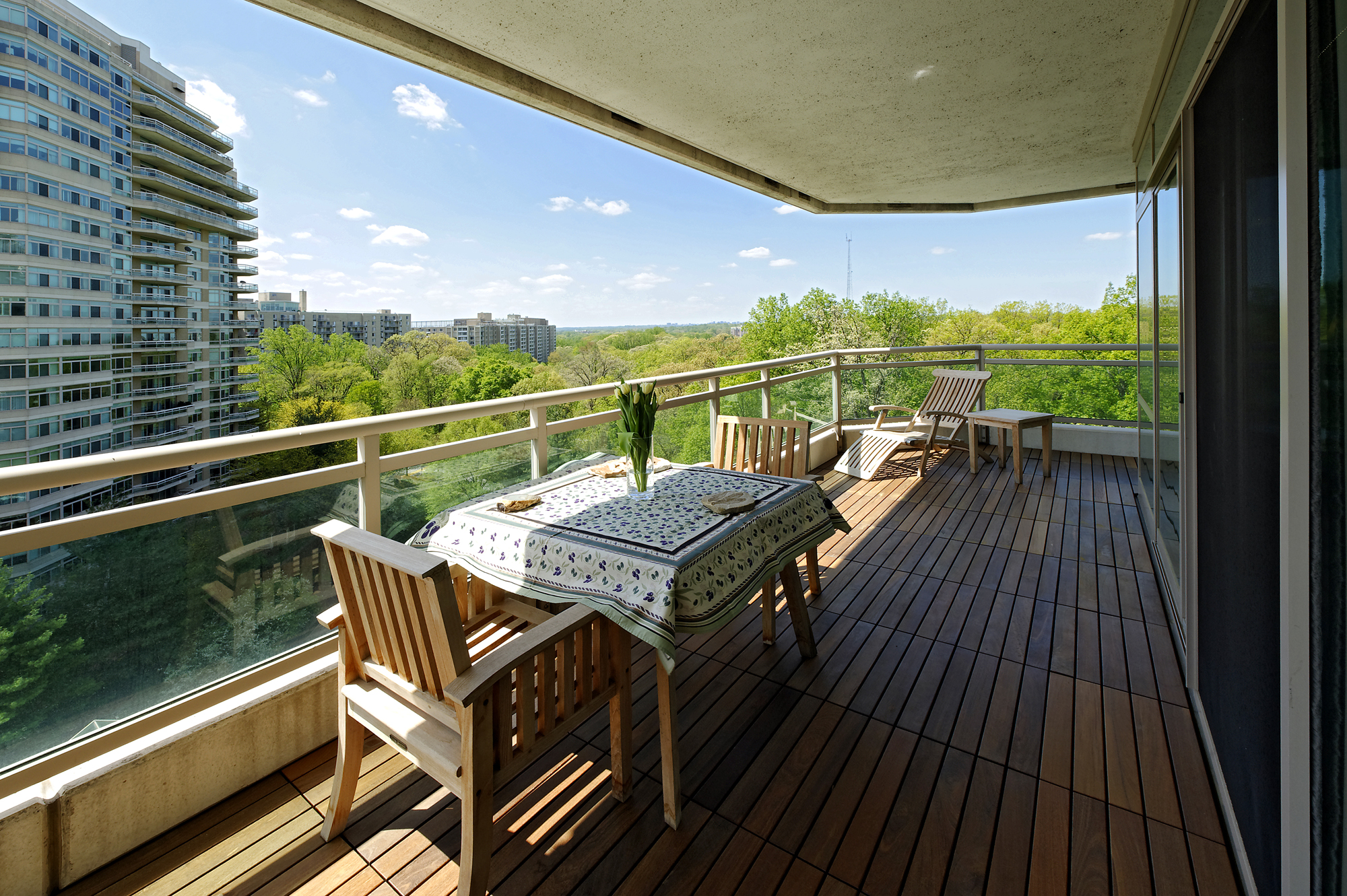Outdoor rooms photo gallery bowa design build renovations for Condo balcony design