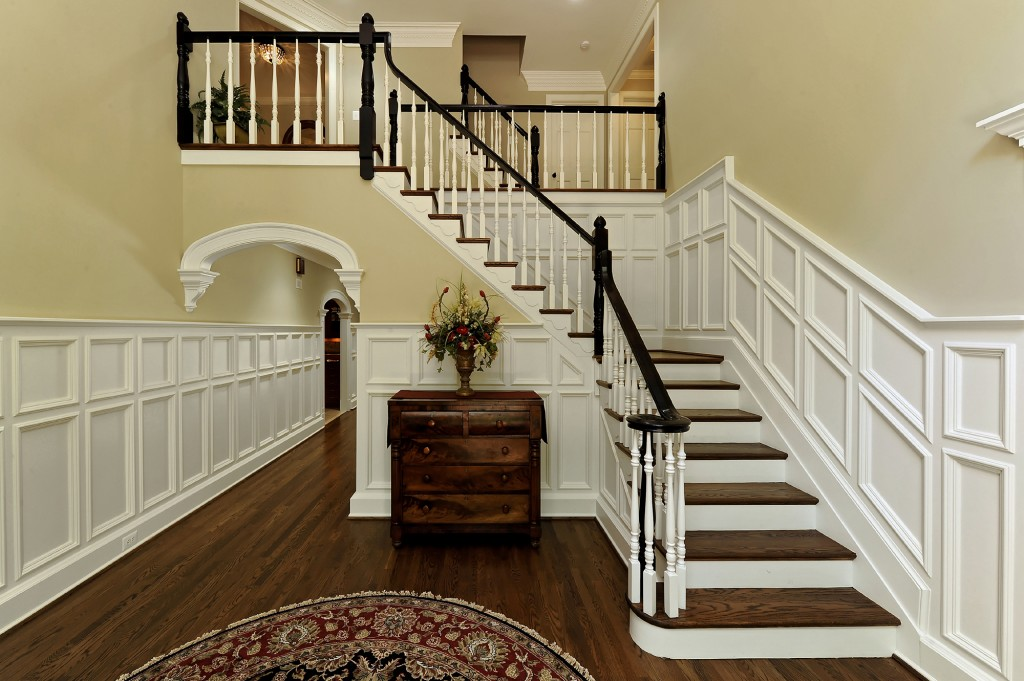 EYE-Great-Falls-Purchase-Consultation-Renovation-entryway-stairs