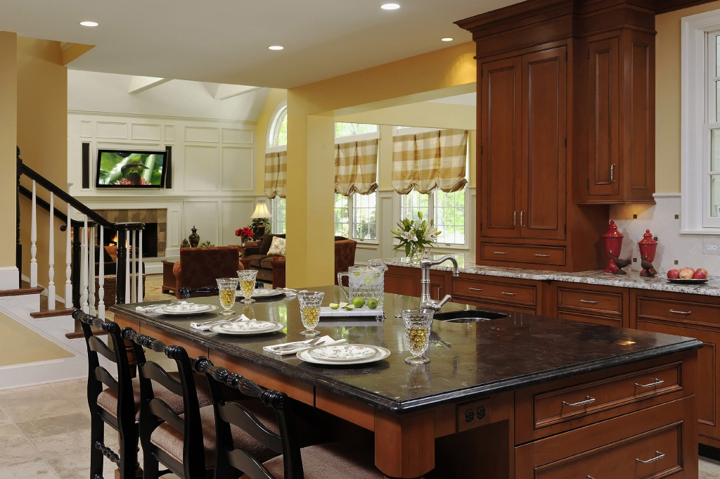 EYE-Great-Falls-Purchase-Consultation-Renovation-kitchen-island-family-room