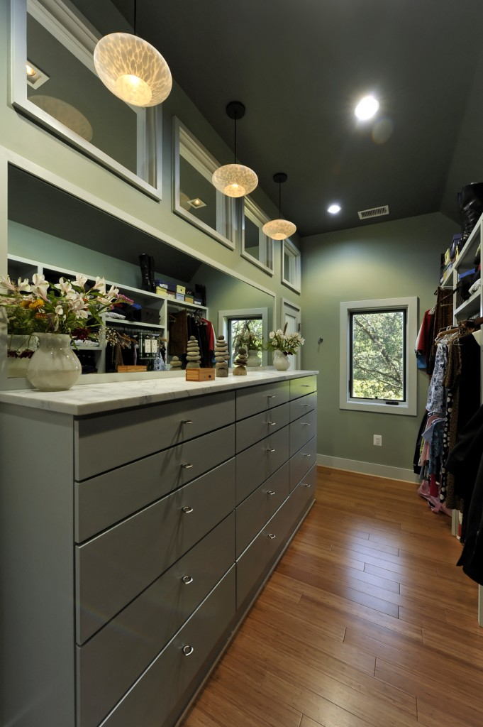 SUM-Great-Falls-Virginia-Contemporary-Addition-Changing-Room