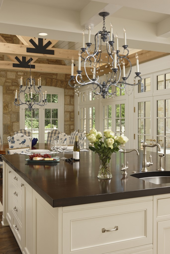 CARL-Great-Falls-VA-Traditional-kitchen-and-breakfast-room-d15175-2582