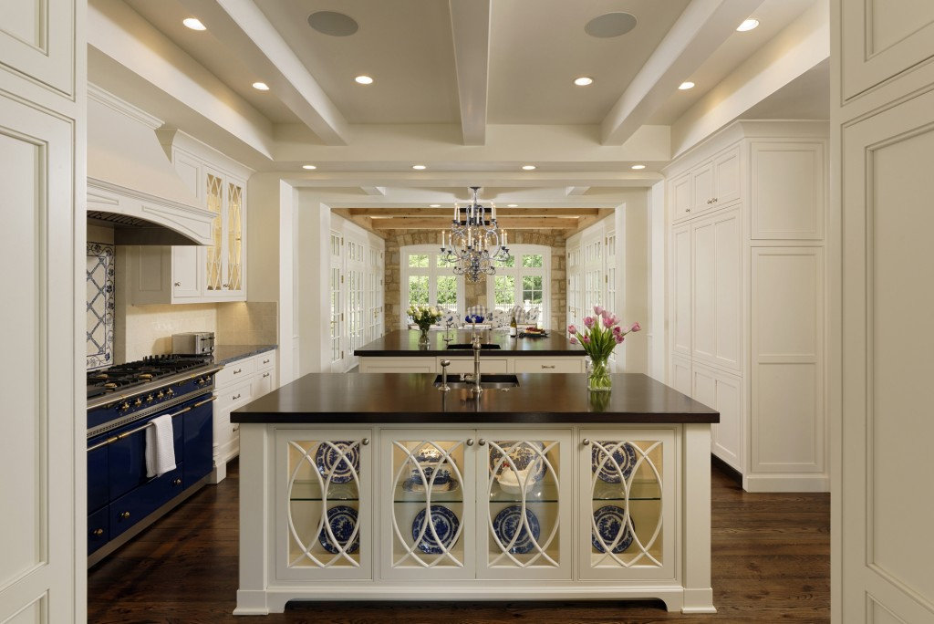 Great Falls VA Traditional Kitchen Island