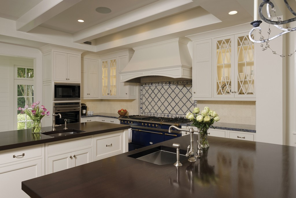 CARL-Great-Falls-VA-Traditional-white-kitchen-with-dark-counters-d15175-2535