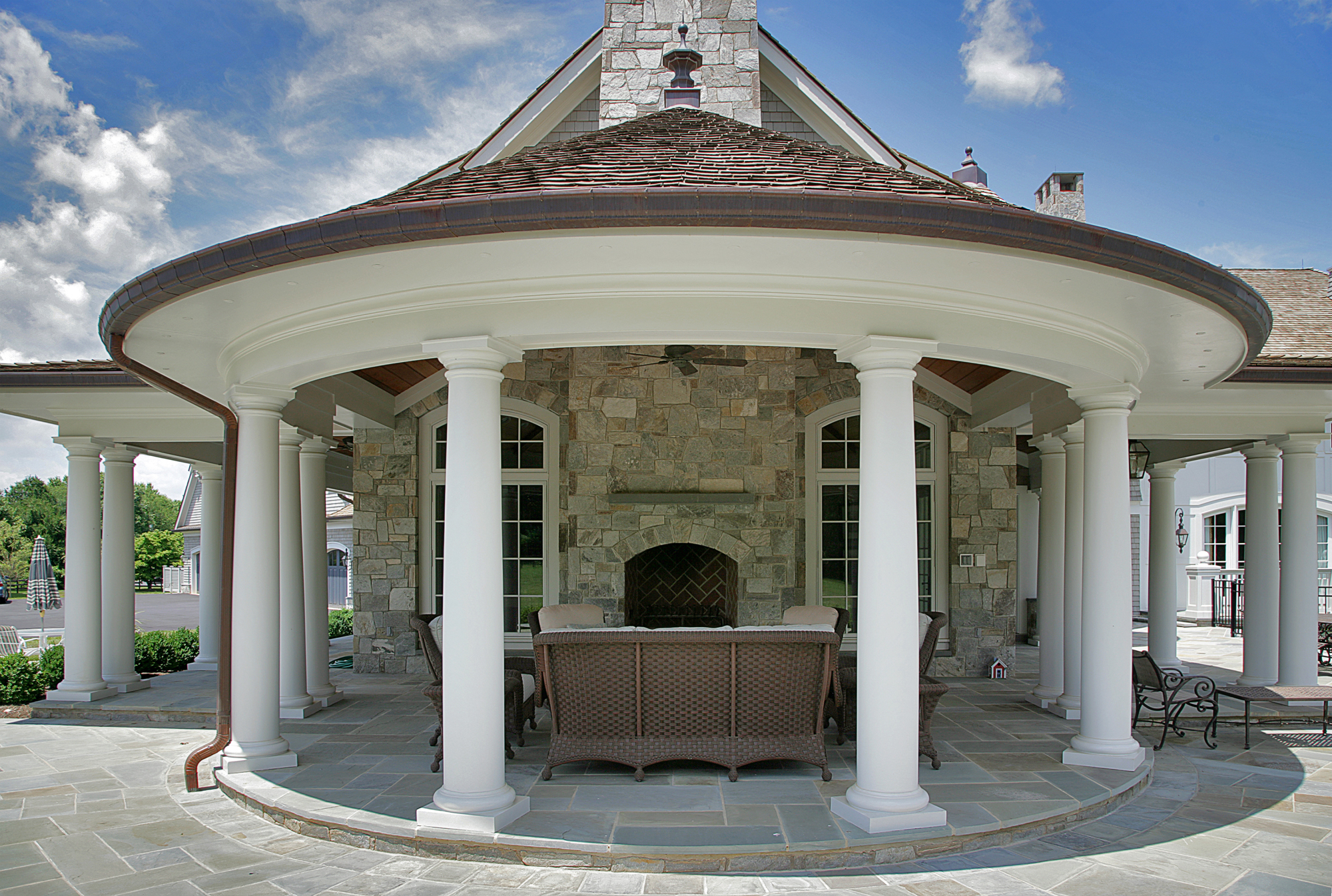 Outdoor rooms photo gallery bowa design build renovations for Crown columns fiberglass
