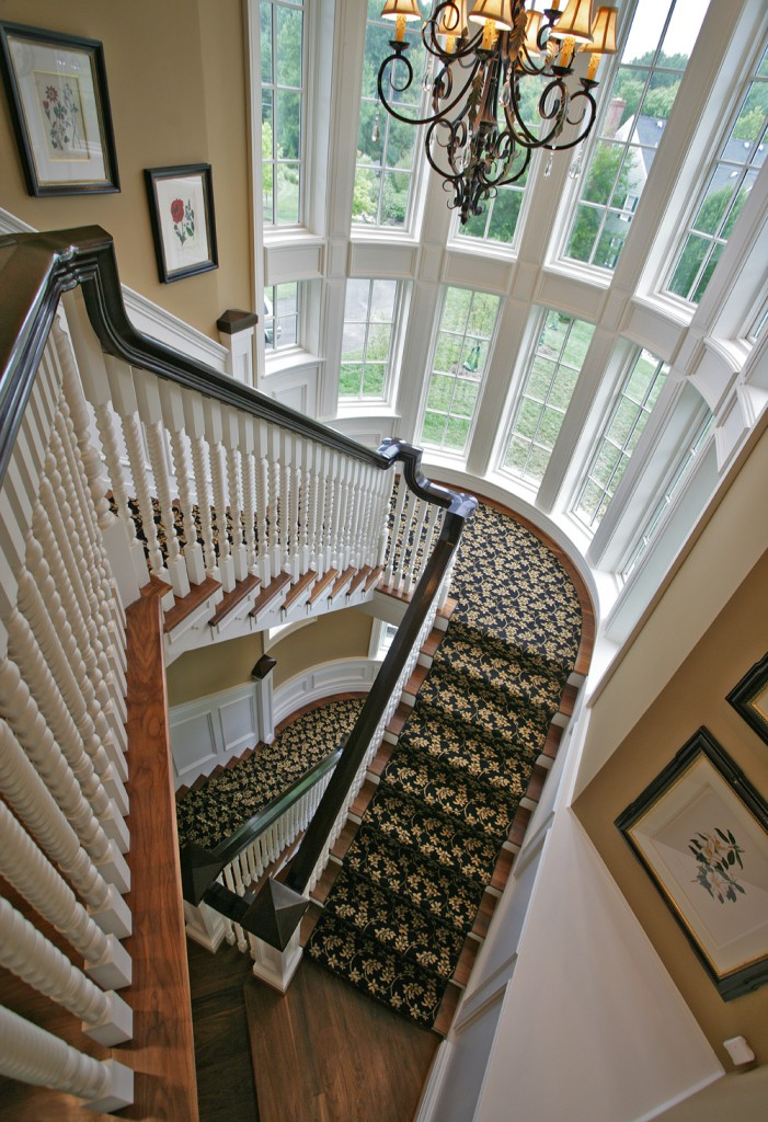 HEN-Great-Falls-VA-traditional-staircase