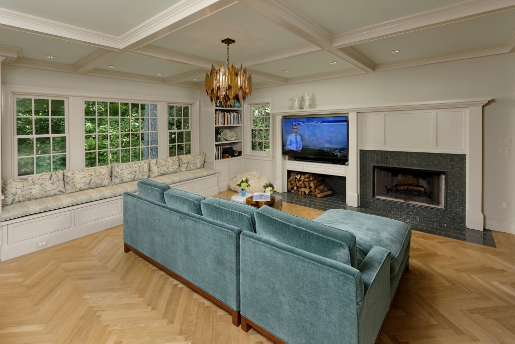 Washington DC Family Room Beamed Ceiling