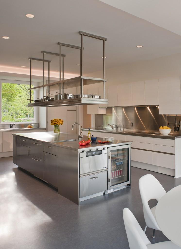 Loudoun County Contemporary Kitchen