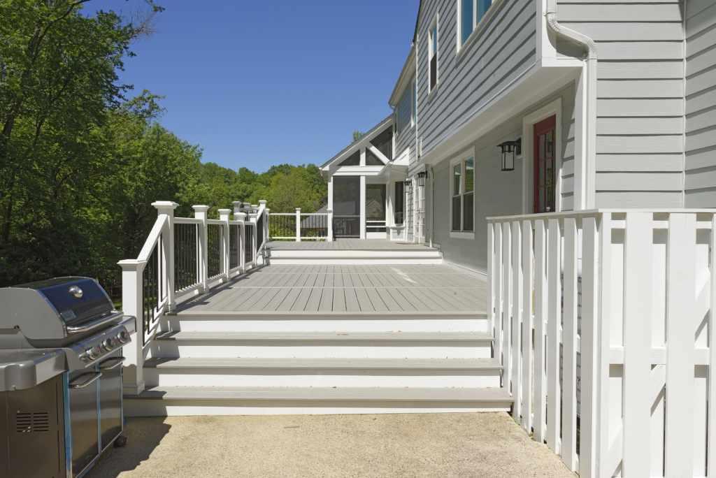 BOWA Design Build Screened In Porch and Deck in Vienna, VA